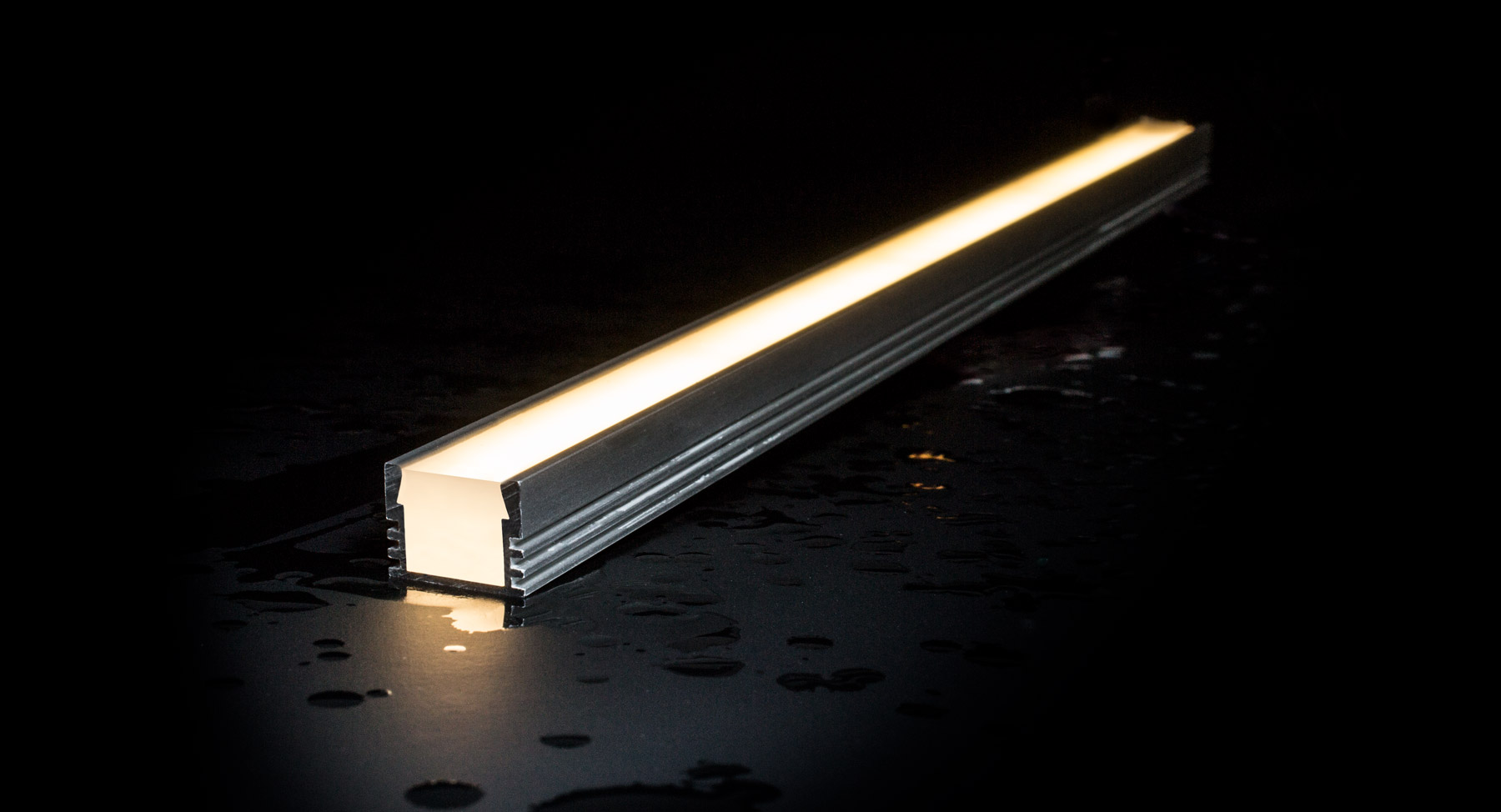 Outdoor tunable white nichia led strips ip67 Exterior linear led lighting
