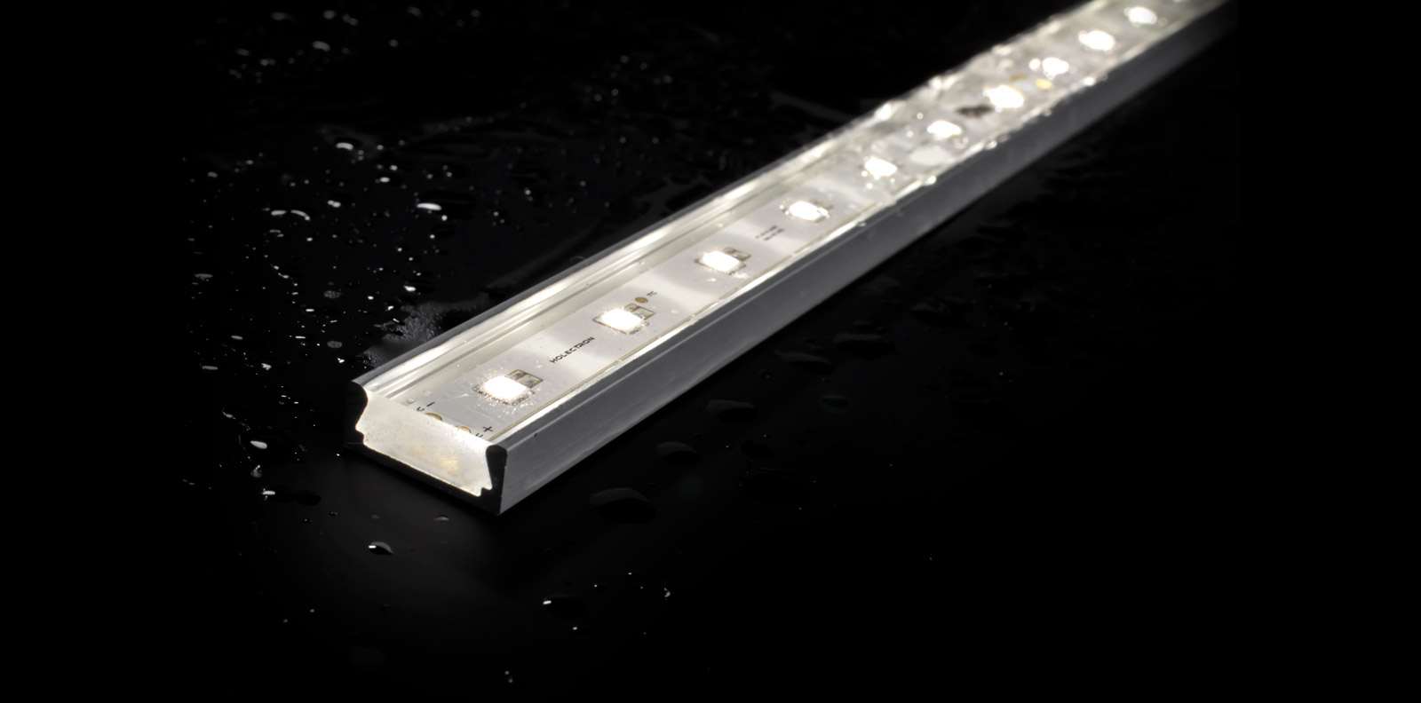 IP67 rated waterproof for outdoor applications with NICHIA LED strip lights