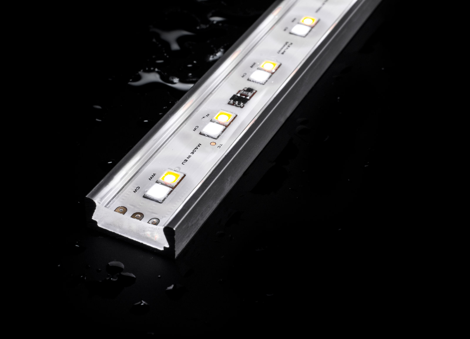 IP67 rated outdoor LED linear lights with NICHIA LEDs