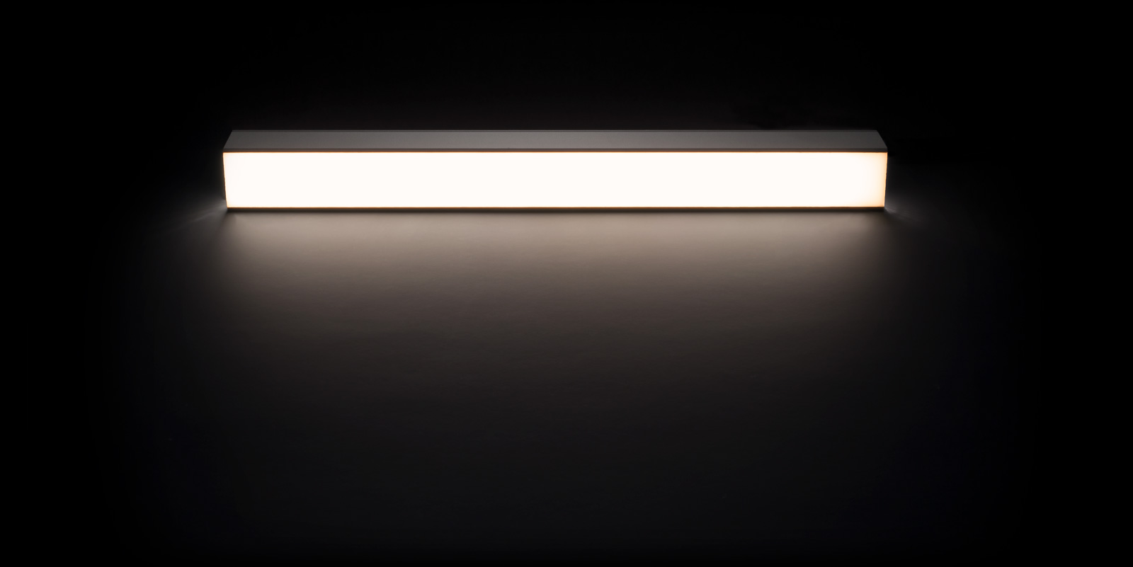 IP67 rated RGB+White for outdoor applications with NICHIA LED strip lights
